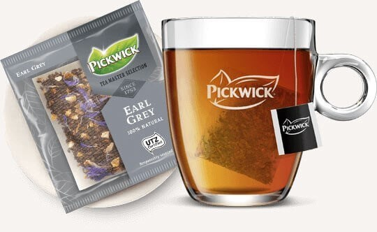 Ein Glas Tee der Pickwick Tea Master Selection